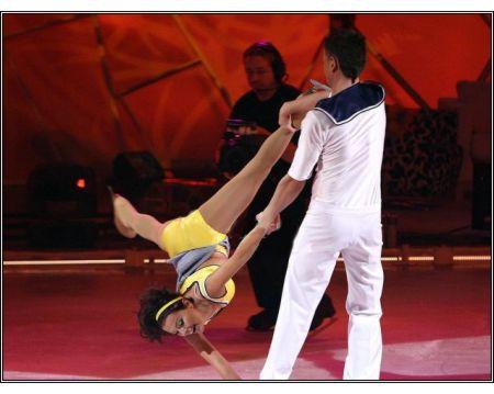 Katarzyna Glinka - Gwiazdy tańczą na lodzie
