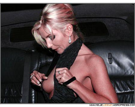 Agnieszka Frykowska - nagie piersi