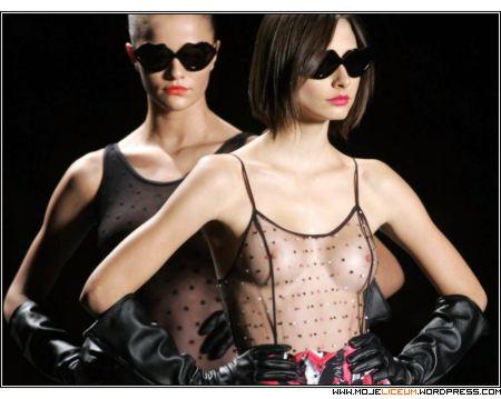 Sao Paulo - modelki nagie piersi