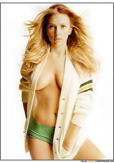 Scarlett Johansson nago
